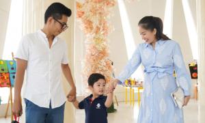 Khánh Thi bụng bầu 8 tháng dự lễ bế giảng của con trai