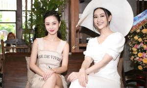 Jun Vũ và Hà Thu hẹn hò cà phê cuối tuần