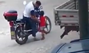 18 giờ truy lùng kẻ bắt cóc bé 3 tuổi lên xe máy