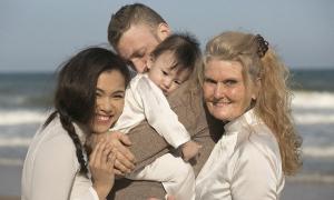 Phương Vy xem mẹ chồng người Mỹ như mẹ ruột
