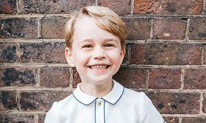 Vợ chồng Kate khoe ảnh Hoàng tử George nhân dịp sinh nhật 5 tuổi