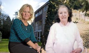Nữ y tá 9 năm chăm sóc người mẹ bỏ mình từ lúc mới sinh