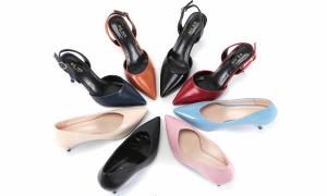 Ưu đãi từ 99.000 đồng nhiều giày hiệu tại Takashimaya