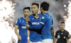 Nghiêm Xuân Tú phá sâu kỷ lục tại V-League