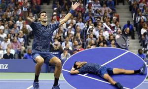 Djokovic vứt vợt, nằm vật ra sân sau cú đánh quyết định