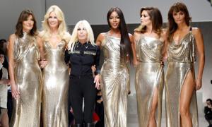 Michael Kors chi 2,2 tỷ USD mua lại Versace