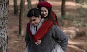 Jun Vũ diễn cảnh tình cảm với Quang Đại khi đang sốt