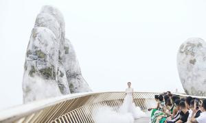5 sàn catwalk độc đáo nhất thời trang Việt 2018
