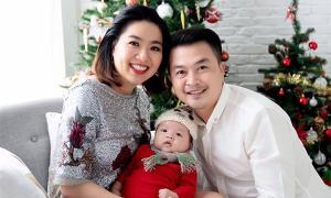 Con trai Lê Khánh càng lớn càng giống bố