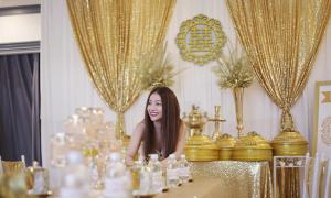 Không gian lễ vu quy màu vàng đồng của ca sĩ MiA