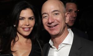 Tỷ phú Amazon và người tình 'lên kế hoạch sống chung'