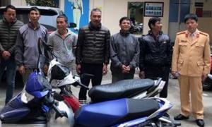 Bị phạt 300.000 đồng vì chèo kéo khách đi chùa Hương