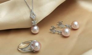 Đủ loại trang sức, phụ kiện dành cho phái đẹp tại Takashimaya