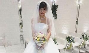 Sao phim khiêu dâm Nhật kết hôn với chính mình
