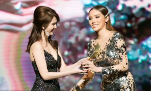 Kỳ Duyên run khi nhận giải 'Nữ hoàng thảm đỏ' tại Đêm hội chân dài