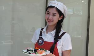 15 thí sinh 'Đại sứ thiện chí hoa anh đào' trổ tài nấu món Nhật