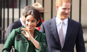 Meghan cư xử 'như công chúa' từ trước khi gặp Harry