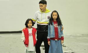 Nguyễn Hưng Phúc hỗ trợ học trò tại Shanghai Fashion Week