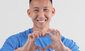 Tiền vệ Nghiêm Xuân Tú chúc mừng sinh nhật Ngoisao.net