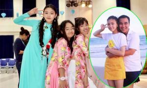 Con gái Quyền Linh tự tin làm vedette diễn thời trang áo dài