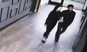 Lộ video Lưu Cường Đông khoác tay nữ sinh tố bị cưỡng hiếp