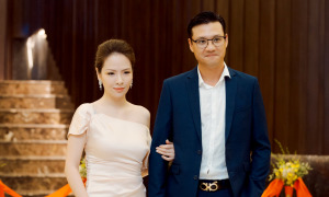 Vợ chồng Đan Lê - Khải Anh dự sự kiện ở Phú Quốc