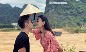 Ông xã Đỗ An đưa Lê Thuý về thăm quê trong kỳ nghỉ