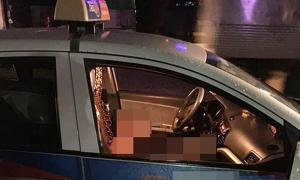Nữ tài xế taxi gục trên vô lăng sau tiếng kêu cứu