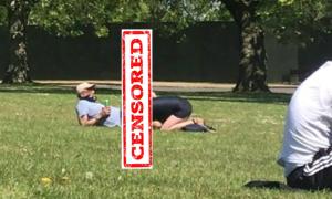 Cặp nam nữ làm 'chuyện ấy' vào giờ ăn trưa ở công viên