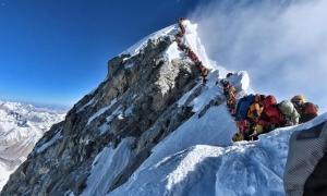 Những chi phí để chinh phục 'nóc nhà thế giới' Everest