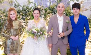 Vợ chồng Phương Hằng mừng ca sĩ A Tuân cưới vợ 9X