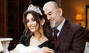Vợ cựu vương Malaysia sinh con trai đầu lòng