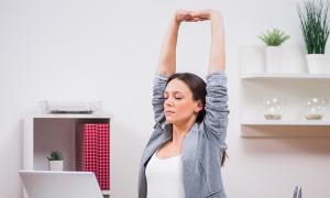 Bài tập giúp thư giãn vai gáy sau hàng giờ ngồi máy tính