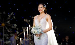 Cô dâu Phương Mai diện một jumpsuit, 2 váy trong đám cưới
