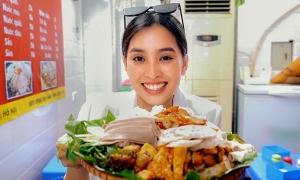 Tiểu Vy mê ăn bún đậu khi ra Hà Nội công tác