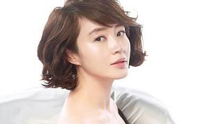 Kim Hye Soo cắt đứt quan hệ vì mẹ đẻ nợ nần cờ bạc