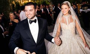 NTK Elie Saab dành tặng con dâu 4 lễ phục cưới xa xỉ