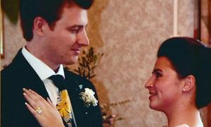 Chồng bắt vợ nhịn đói 12 năm