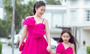 Châu Lê Thu Hằng cùng con gái diện đồ đôi của VuNgoc&Son