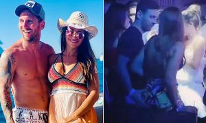 Messi thân mật với vợ trong hộp đêm