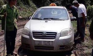 Ba người Trung Quốc cướp taxi, phi tang xác tài xế dưới sông