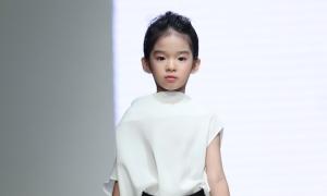 Con gái Xuân Lan mở màn sưu tập của Đỗ Mạnh Cường