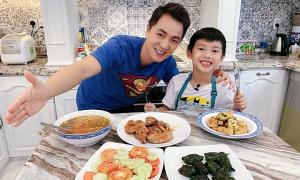 Đăng Khôi nấu cơm gia đình 85 nghìn đồng