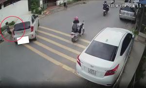 Nữ tài xế để ôtô trôi tự do
