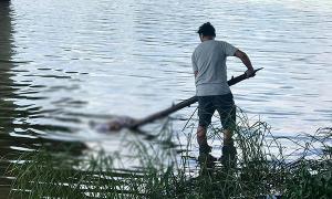 Thi thể thiếu nữ nổi trên sông