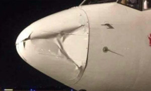 Máy bay Hàn Quốc móp đầu khi hạ cánh tại Tân Sơn Nhất