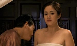 Thảo Trang bầm tay sau cảnh 'nóng'