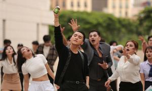 'Bạn đồng hành' của Sơn Tùng trong phim ngắn mới