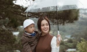 Mẹ con Dương Cẩm Lynh đón sinh nhật xa nhà