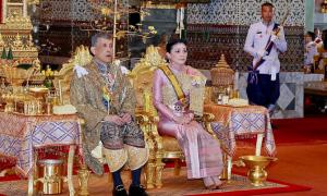 4 lần phế hậu bỏ phi của vua Thái Lan
